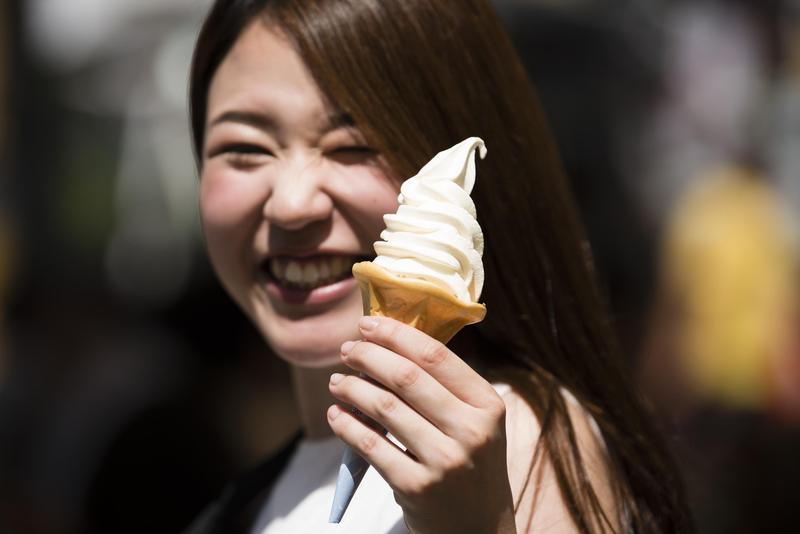 日本連日高溫掀起一波熱浪商機。(東方IC)
