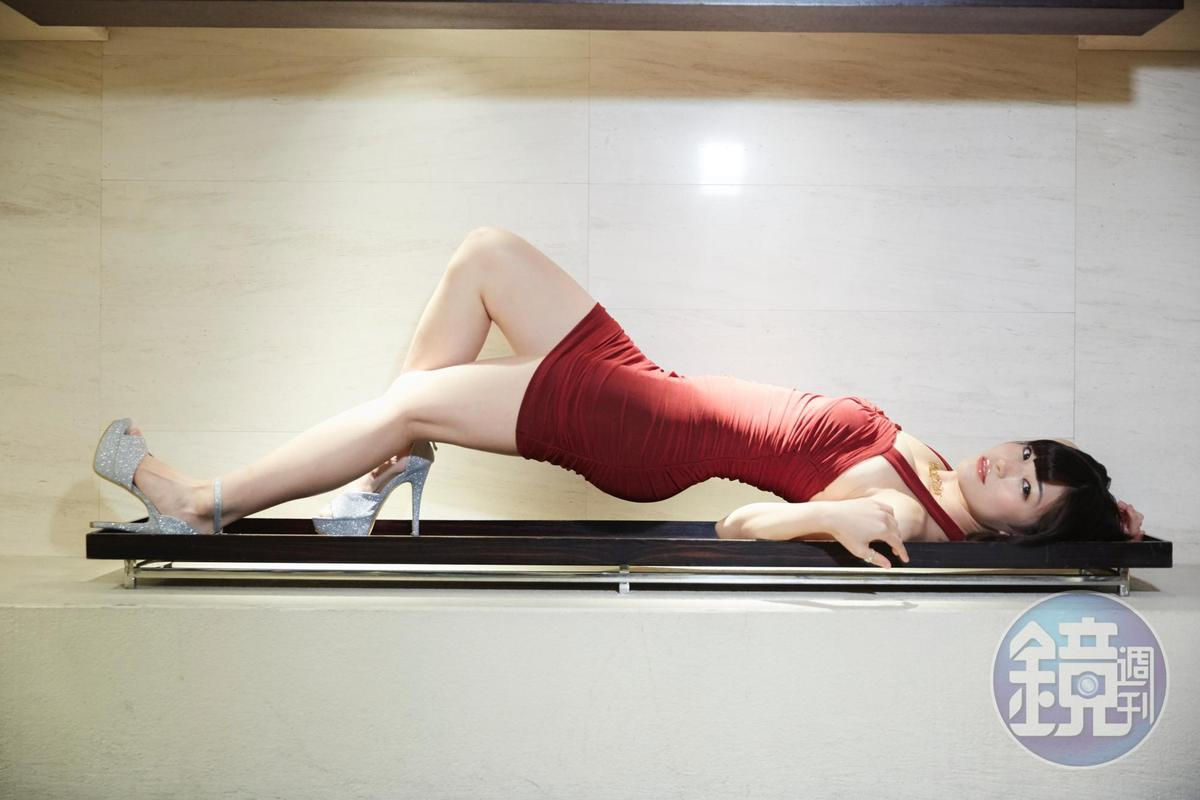 高橋聖子以主演的藝術電影與大家見面,請期待她的表現。