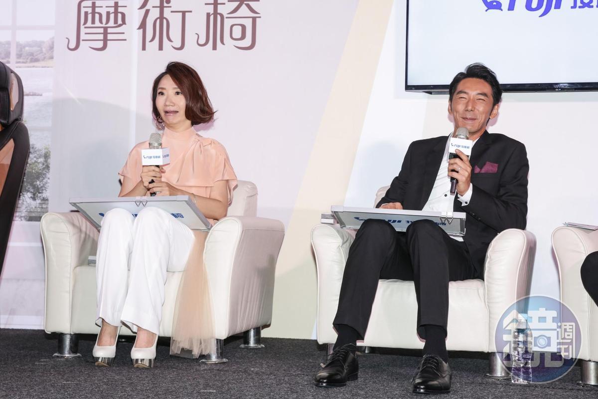 陶子和李李仁玩夫妻默契大考驗,兩人表情很有趣。