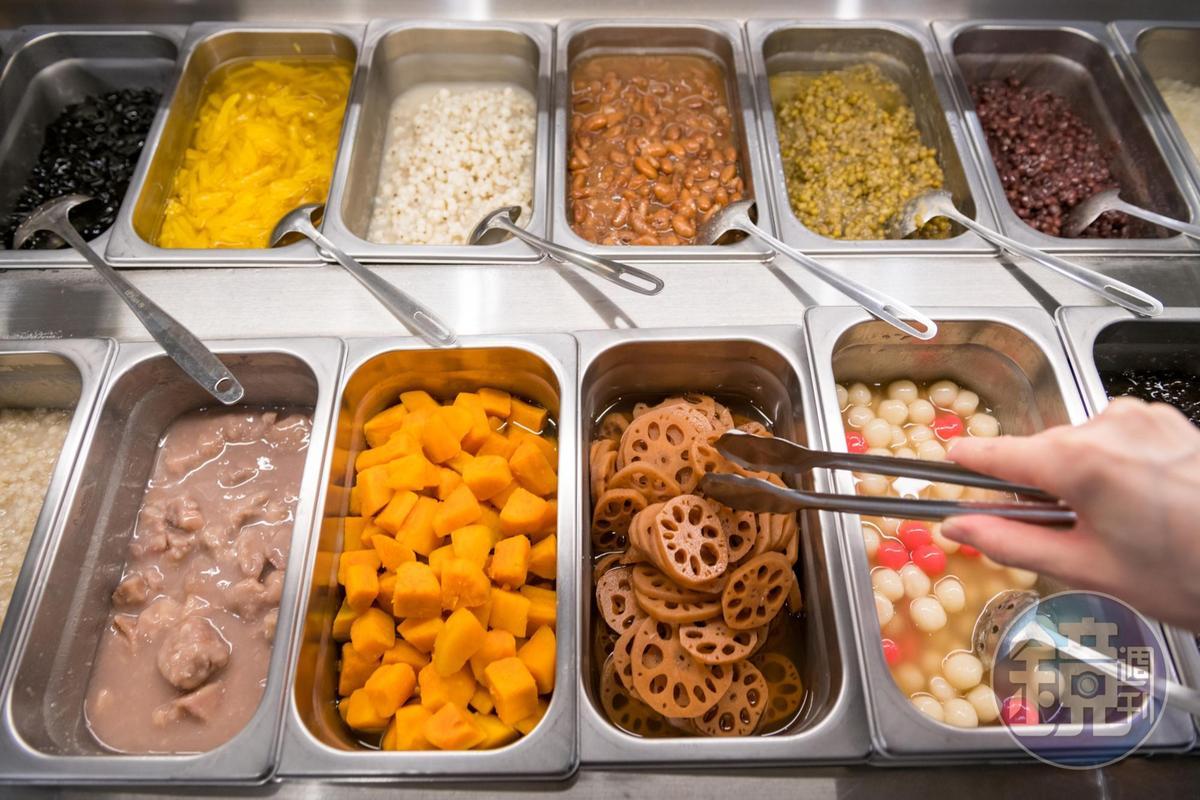 手工自製的刨冰料,口味頗受客人肯定。