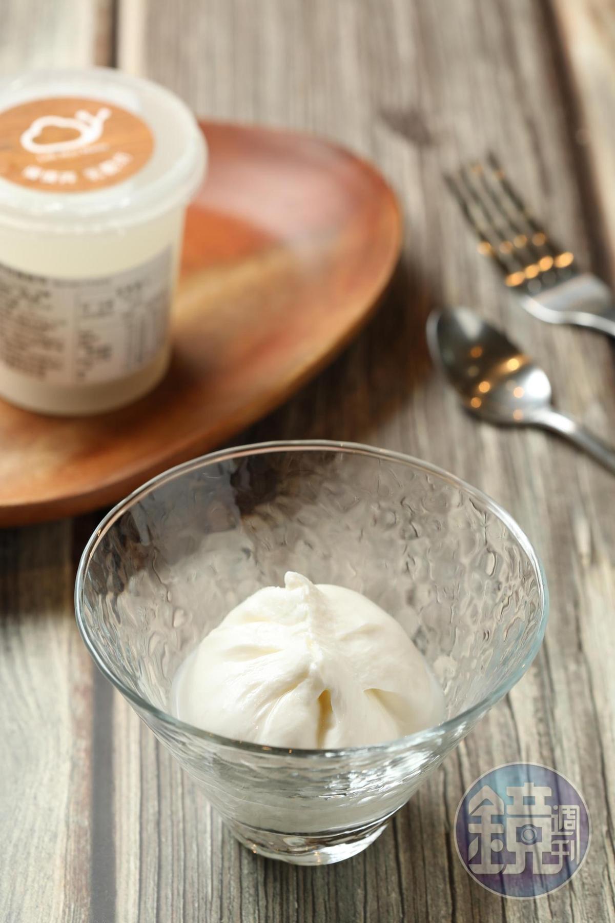 「布拉塔起司」柔潤鮮甜,是許多餐廳搶訂的可口食材。(170元/份)