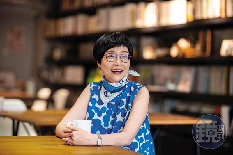 張曼娟預言自己會孤獨死,也期望孤獨死,她期望20年後會有看護機器人,她想跟機器人作伴,因為活人看護實在是一件太不人道的事情。