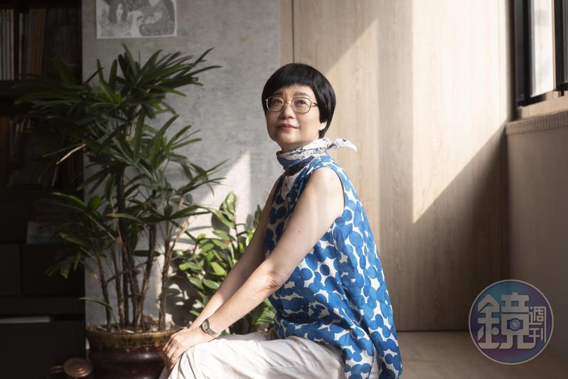 張曼娟近年將重心放在小學堂,教小朋友唸詩讀經寫作。