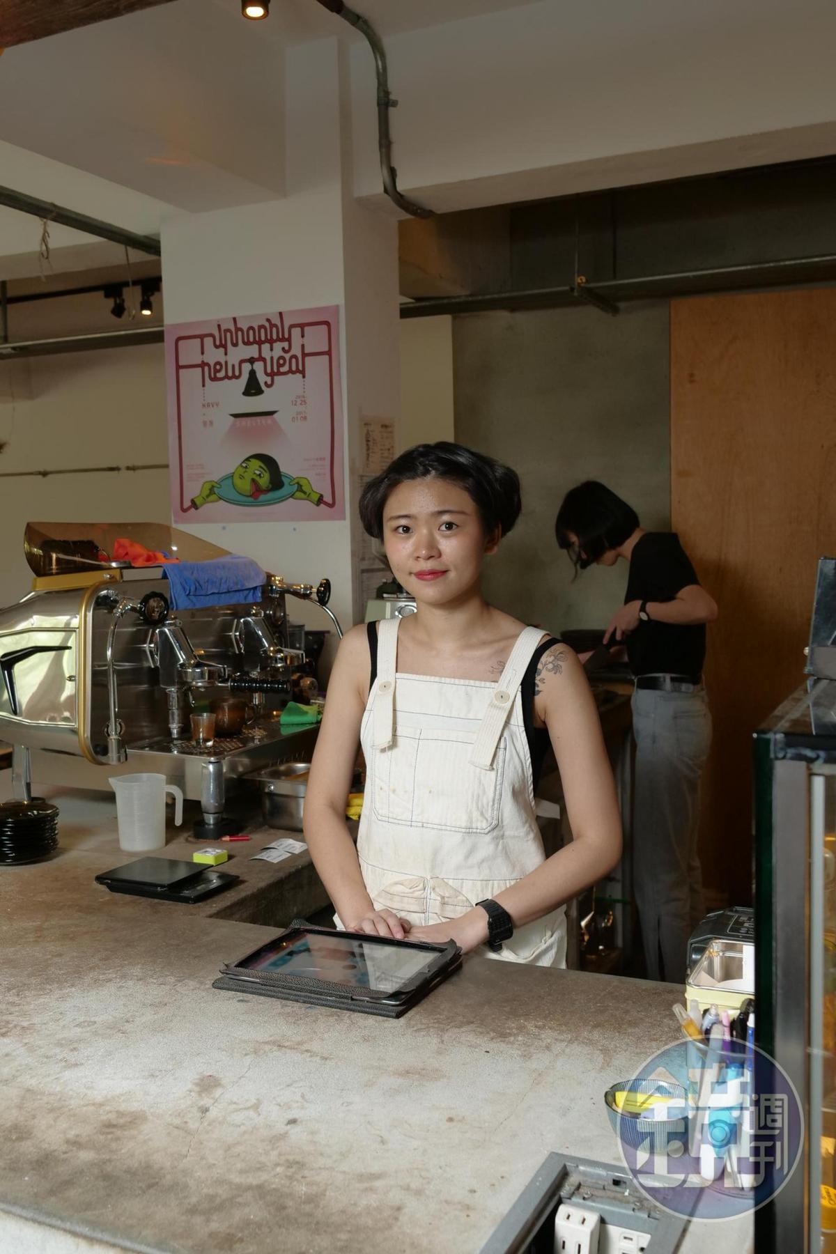 另一位店長孫彤較常在店裡現身,熟稔於甜、鹹點、飲品製作。