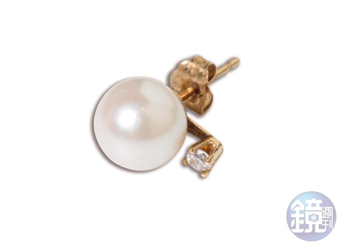 GALLERY BAR珍珠耳環。NT$3,000