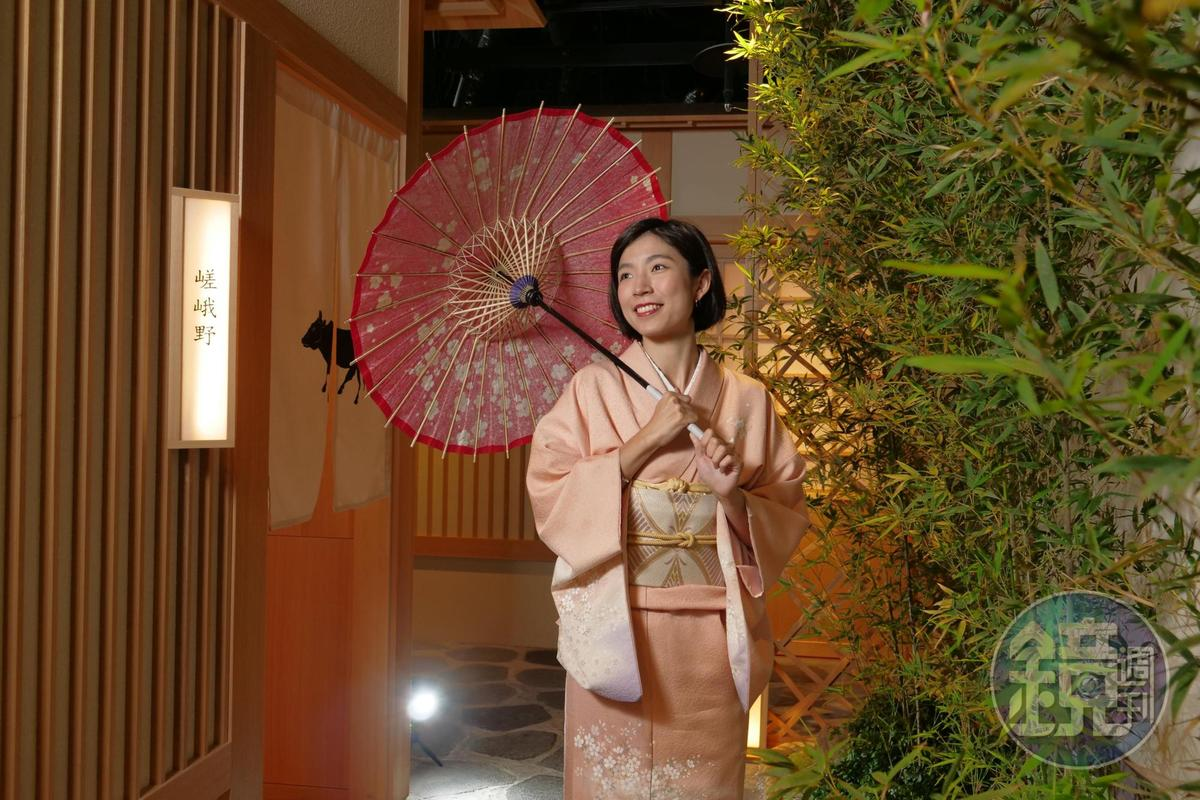 店內包廂皆以京都地名命名,還提供高價和服讓食客體驗換裝。