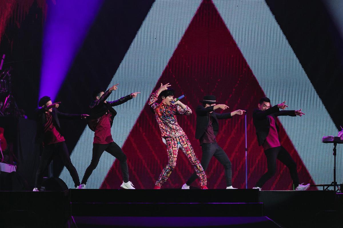 Bii能歌會舞,將歌迷想聽的想看的,在高雄場演唱會秀出來。(JUSTLIVE 就是現場提供)