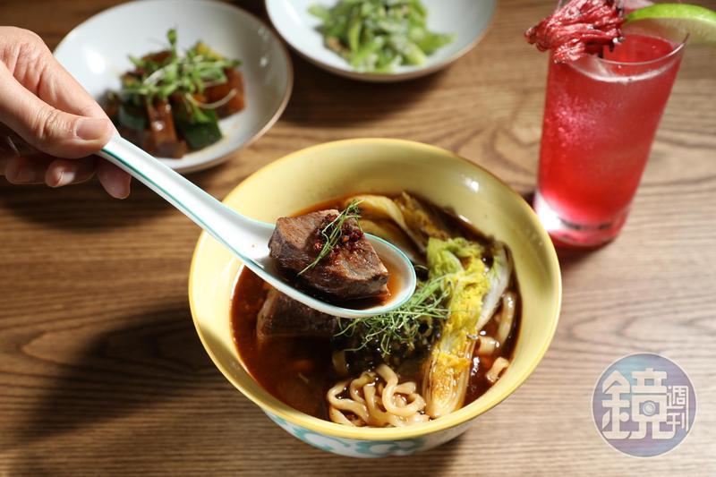 「台北台中米其林指南 2020」在8月11日率先公布「必比登推薦名單」,圖為台中麵食類入選店家「Gubami」的紅燒牛肉麵。