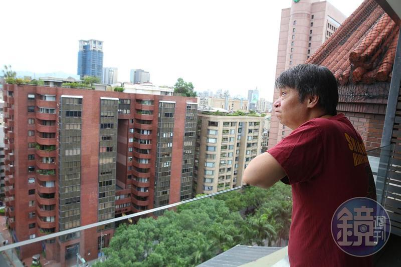 小莊認為台灣漫畫有很大的框架;近年他的漫畫創作愈來愈多,想要走出不一樣的路。