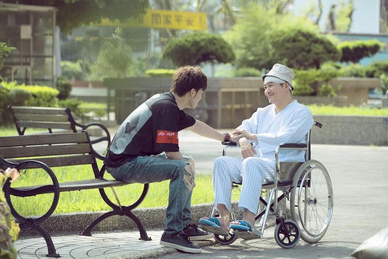 偉晉在華視偶像劇《搖滾畢業生》初次當男主角。(華視提供)