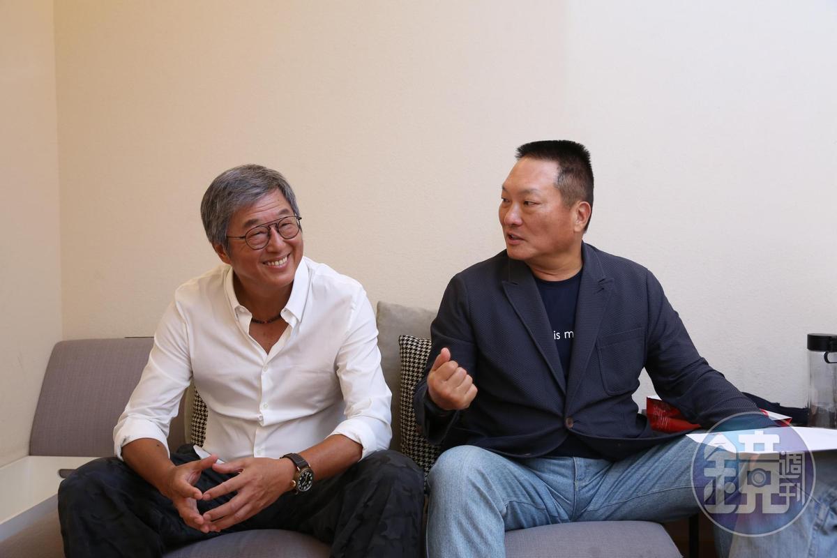 東森集團總裁王令麟與製作人王偉忠(左)合資成立「量子娛樂」。