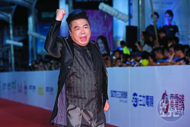 董至成曾經得過金鐘獎最佳主持人獎,但如今卻落得沒工作沒收入的窘境。