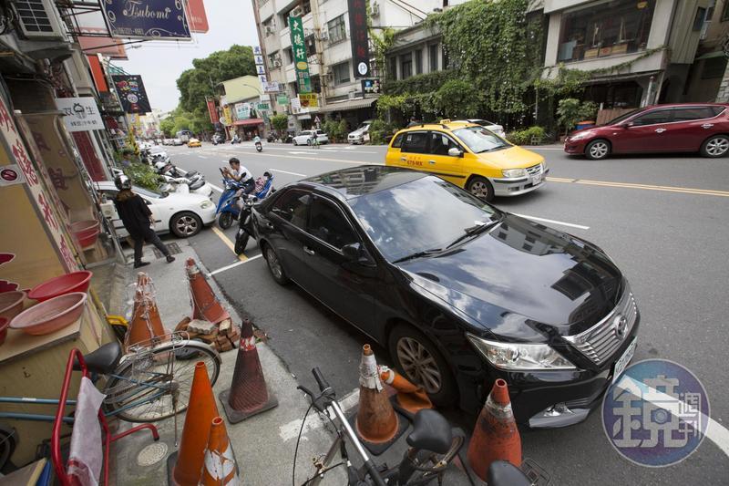 台南是熱門觀光景點,不過市區停車問題令人詬病。
