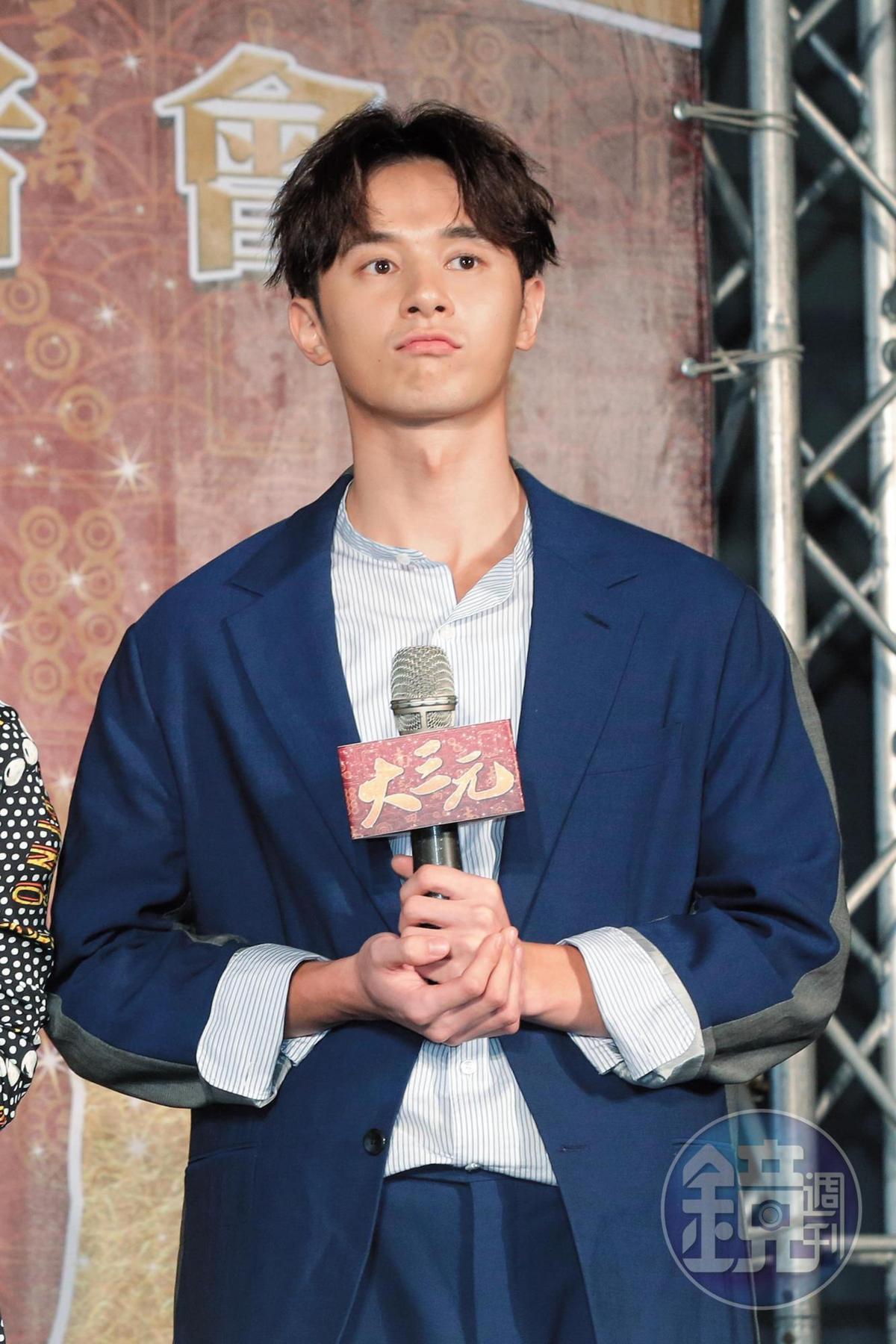 最近張軒睿跟林明禎的短命戀情變成他揮之不去的新聞話題。