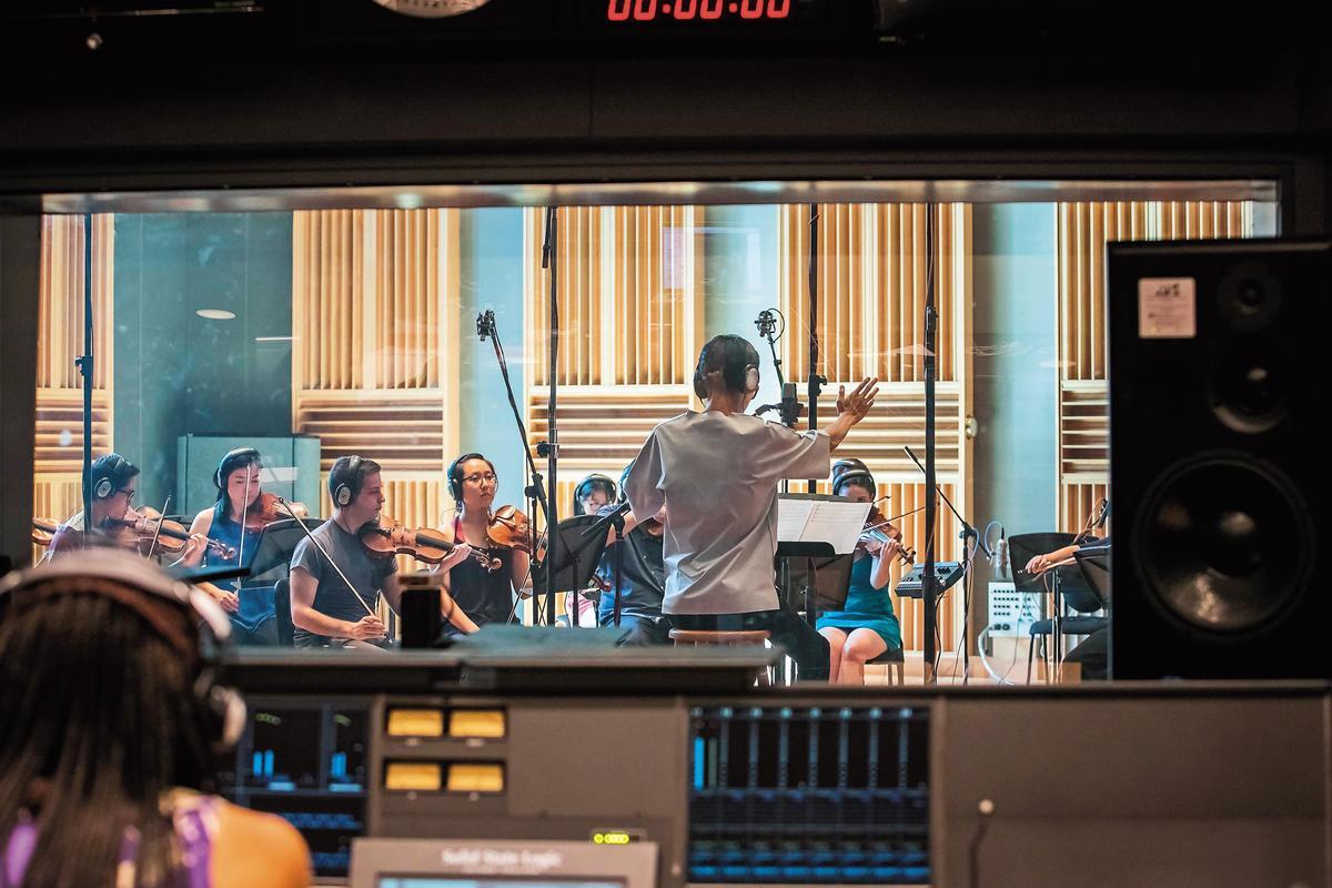波士頓弦樂團透過越洋視訊將演奏錄音實況傳送到台北。