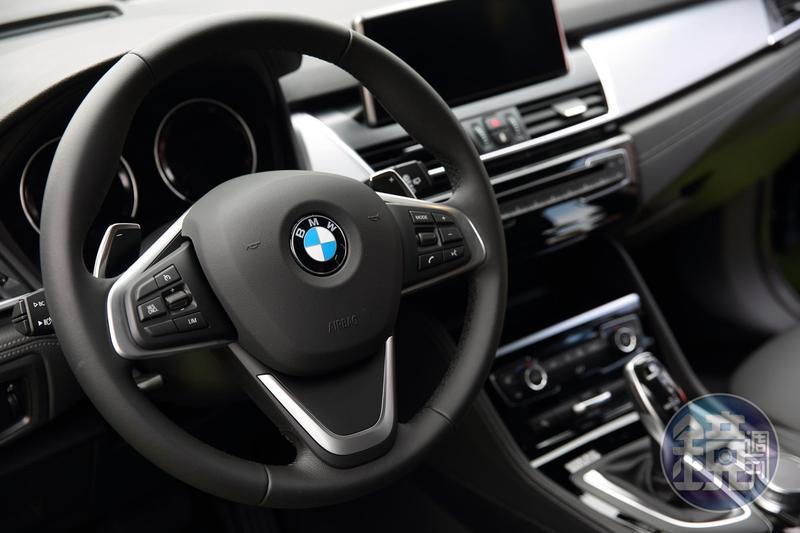 南韓BMW今年已傳出多起自燃事件,圖為BMW車內,與本新聞無關。