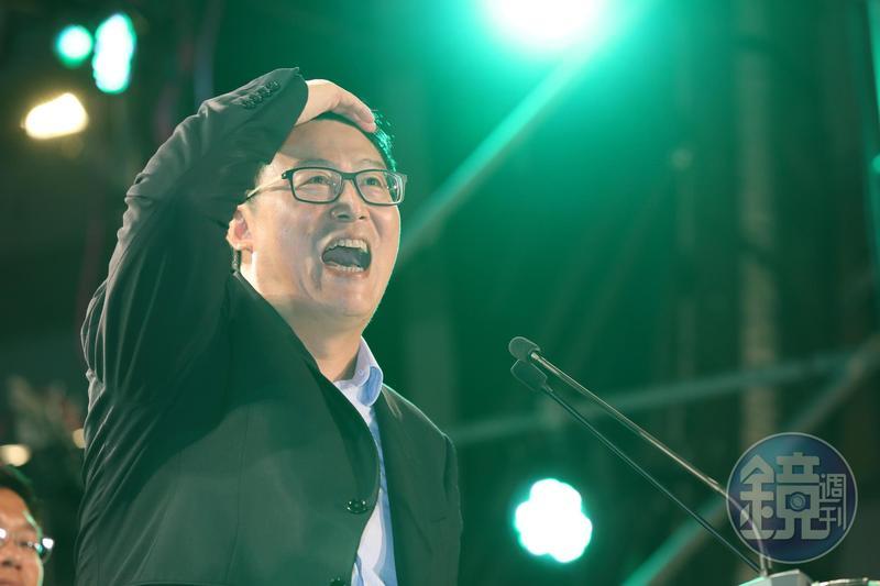 姚文智的臉書粉絲專業突然消失,網友成立的山寨粉專,姚文智被標示為「喜劇演員」。