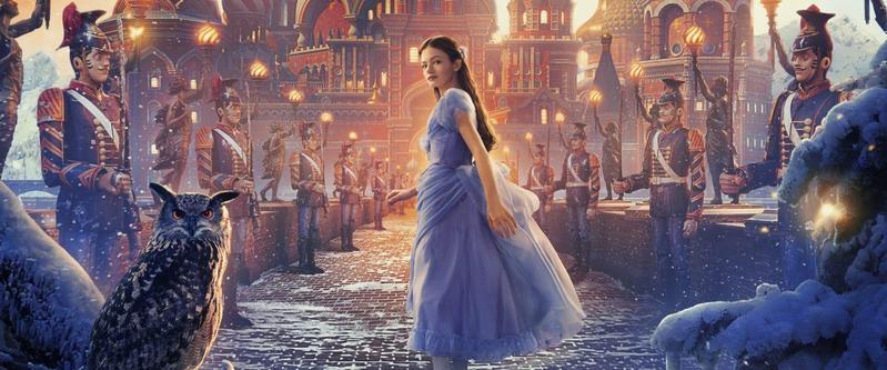17歲的麥肯基弗依挑大梁演出真人版《胡桃鉗與奇幻四國》電影,她不似艾兒芬妮的仙氣,卻帶點慧黠。(翻攝自Moviebill)