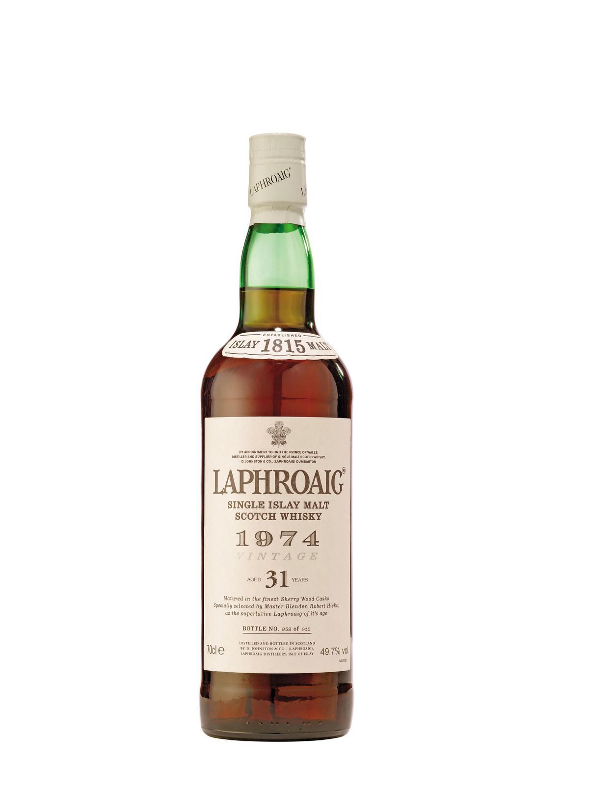 拉弗格1974年蒸餾入桶的年分老酒,酒標上另外標示陳年31年,拍賣等級的酒款。