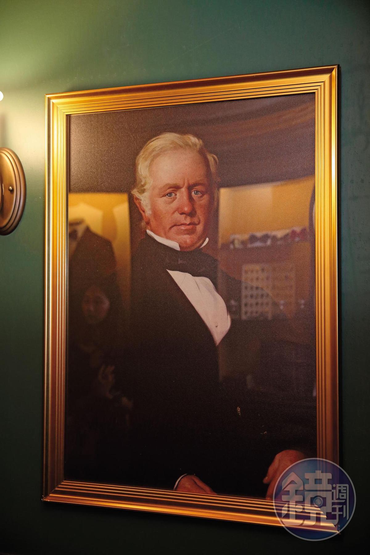 密室逃脫第3個線索為畫中格蘭利威創辦人喬治‧史密斯的眼睛裡浮現了數字2。