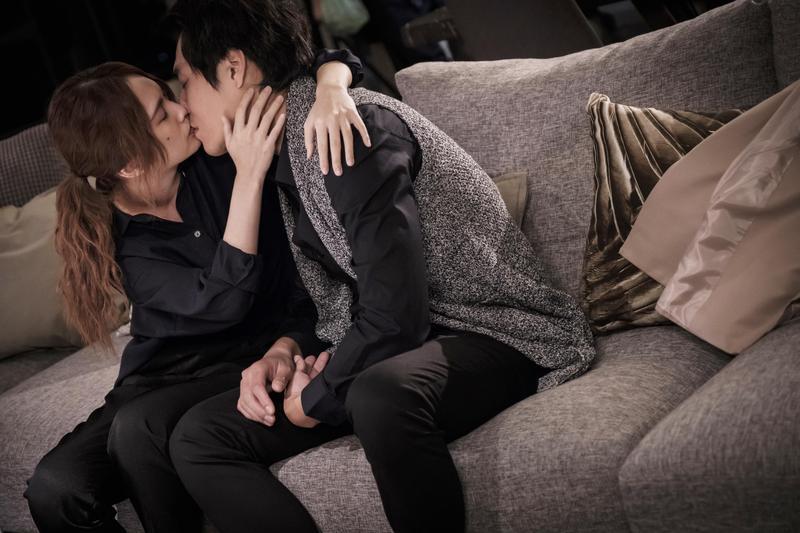 楊丞琳和藍正龍都是「吻戲老手」,拍吻戲一次OK不NG。(八大提供)