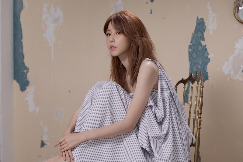 邵雨薇跨行當歌手,拍MV挑戰一秒落淚自豪「我是演員」。(寬宏提供)