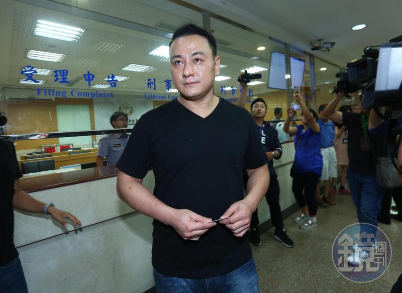 張瑋批評檢方突襲搜索是整人,卻坦承借錢驗資開公司恐已觸法。