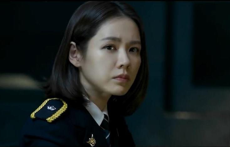 孫藝真在新作《極智對決》中以短髮出演女警,立刻成為眾人注目的焦點。(CJ娛樂提供)