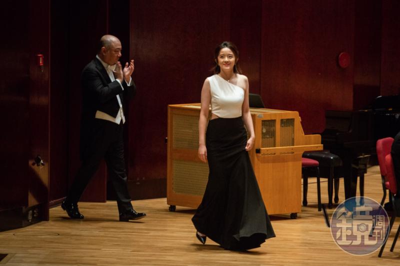 旅德鋼琴家萬捷旎於8月10日晚間在國家音樂廳演出,這是她首次來台。