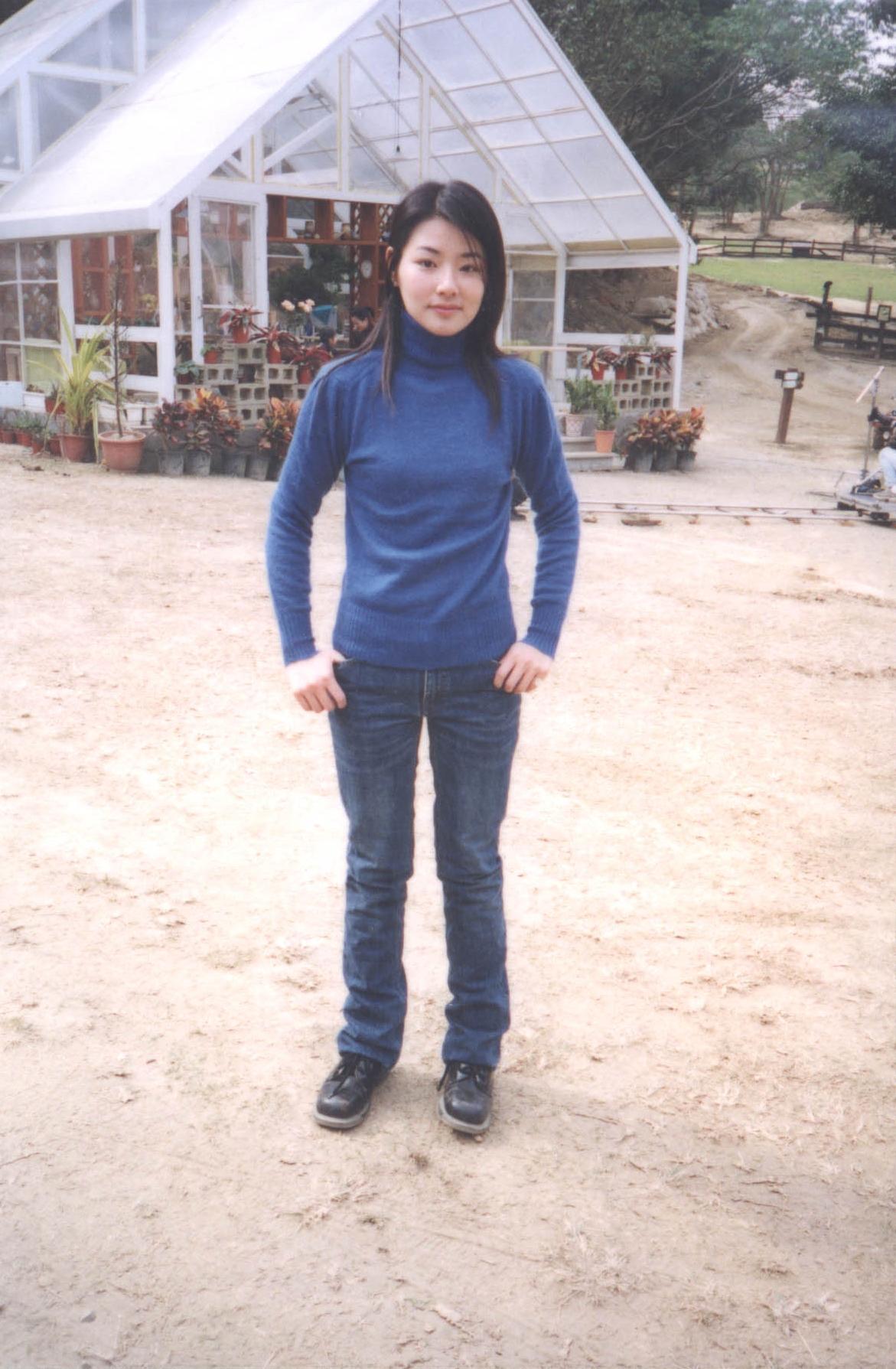 陳怡蓉當年在飛牛牧場拍攝《薰衣草》的青澀模樣。(飛牛牧場提供)