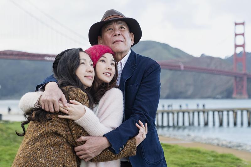 萬芳(左起)陳怡蓉、龍劭華演出《雙城故事》感情深厚。(青睞影視提供)