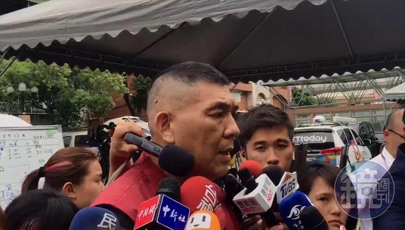台北醫院院方第一時間堅稱「沒有延誤」通報,直到下午才改口坦承疏失。