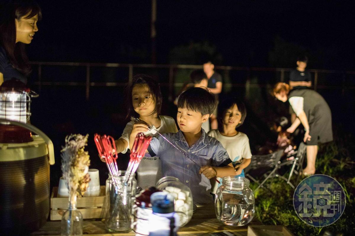 用完餐後,還有營火晚會,可以烤棉花糖。