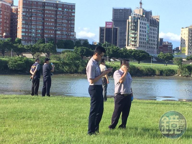 警方在中正橋旁河濱公園擴大搜索屍塊。