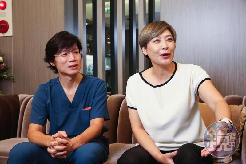 曼都集團董事長賴淑芬(右)對曼都整形外科診所院長李瑞田(左)的技術讚譽有加。