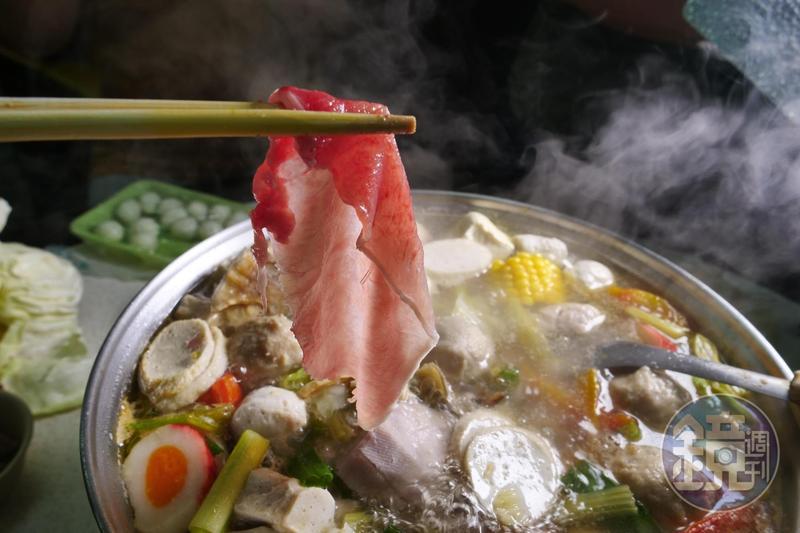 廣東汕頭式的沙茶爐是台南人的心頭好。