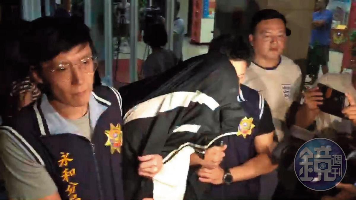 台籍吳姓男子因為協助買凶刀,遭警方以殺人共犯移送,但法院裁定30萬元交保。(王昭濱攝)