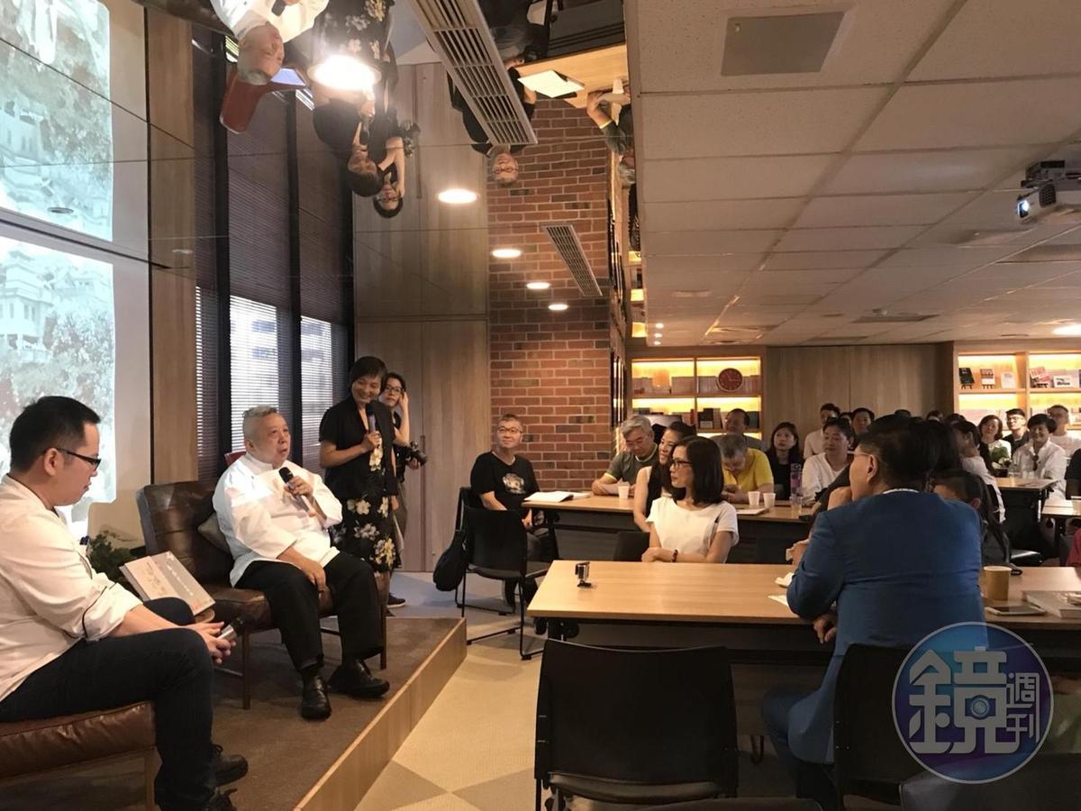 辦桌王總舖師陳兆麟(左2)說辦桌故事真迷人。