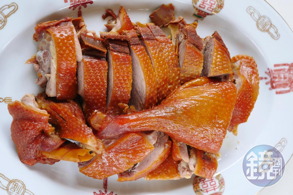 糖燻鴨是「松村燻之味」最招牌的產品。