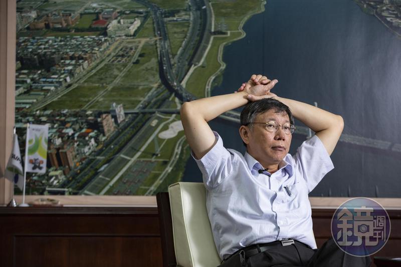 柯文哲接受本刊專訪時,談到2014年的競選總幹事姚立明,就怒氣上衝。