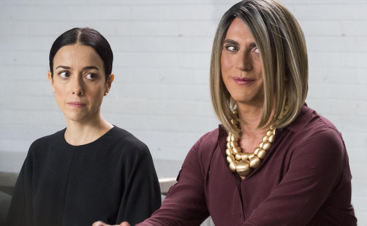 長女寶琳娜的前夫荷西馬力亞,在離婚後做了變性手術,改名為瑪莉亞何西。(Netflix提供)