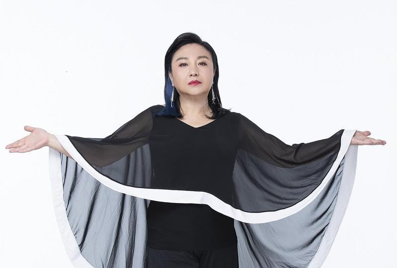 唱了無數經典好歌的鄭怡,堪稱華語歌壇早期的「東方不敗」,每次出手都是排行榜冠軍專輯。