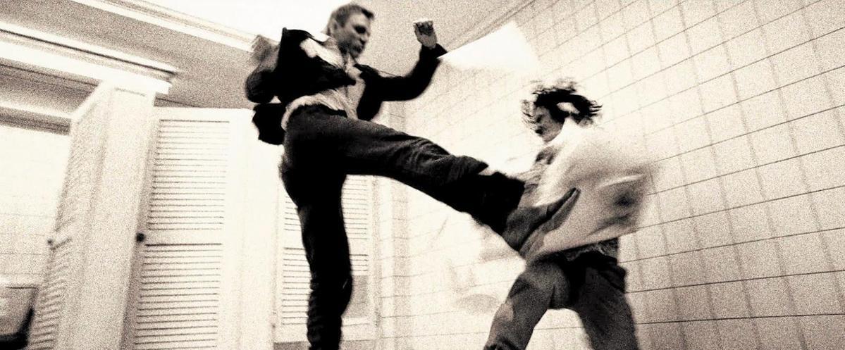 《暹羅訣:九神戰甲》的武打動作,參考了包括《皇家夜總會》在內的007系列電影。(翻攝自youonlyblogtwice.blogspot.com)