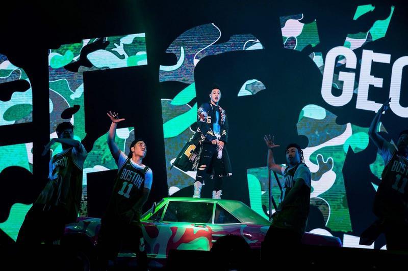 潘瑋柏在大陸實境秀《中國新說唱》進入9進6卡位賽,與鄧紫棋演唱自創曲〈蛻變〉。(華納提供)