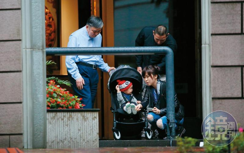 目前唯一能經常陪在王文洋身邊的孫子,是王思涵與前夫黃健維所生的外孫。
