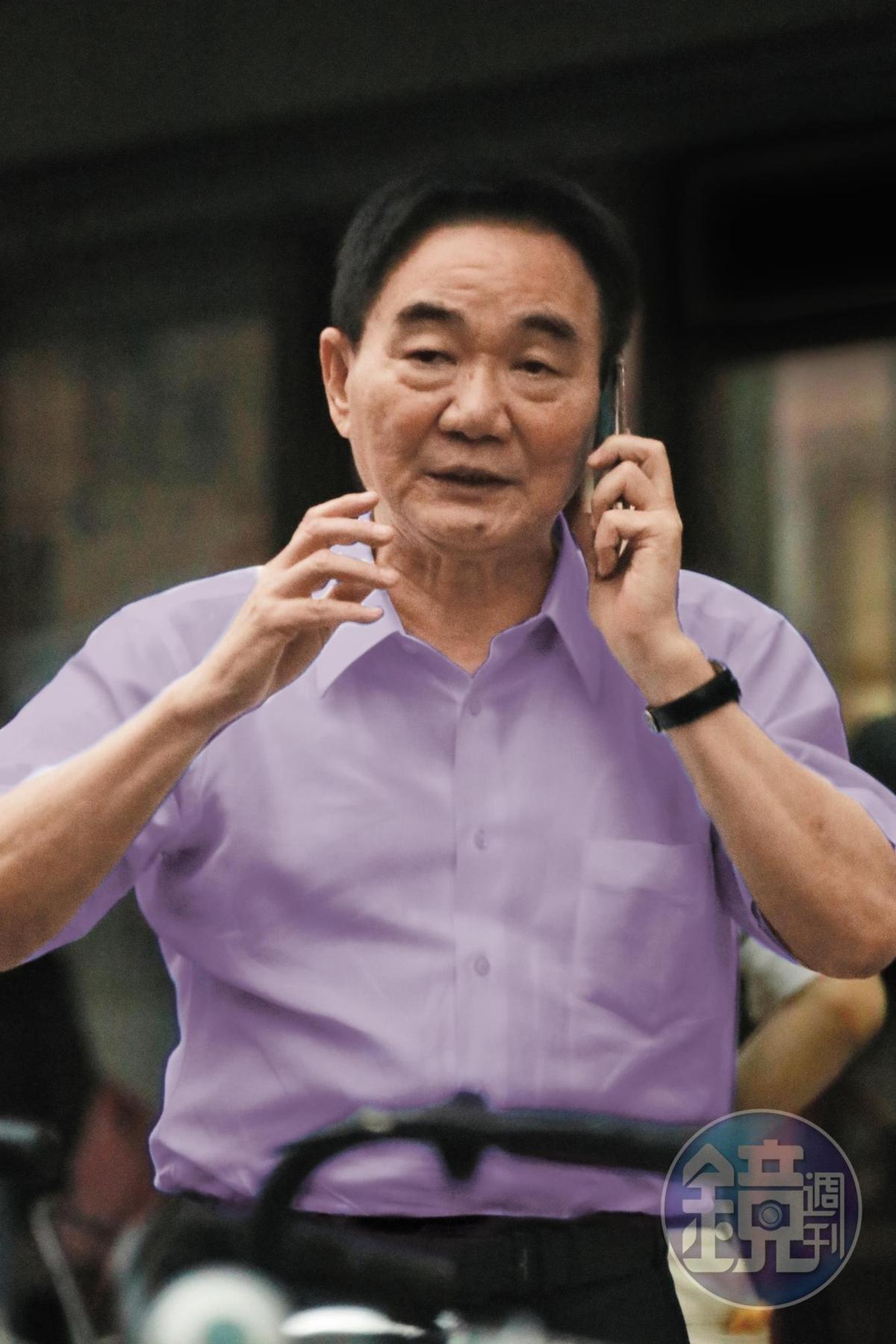 台商鄭文逸曾在永豐金前董事長何壽川牽線下和林郭文艷談判,要林郭夫妻只有一人能當董事。