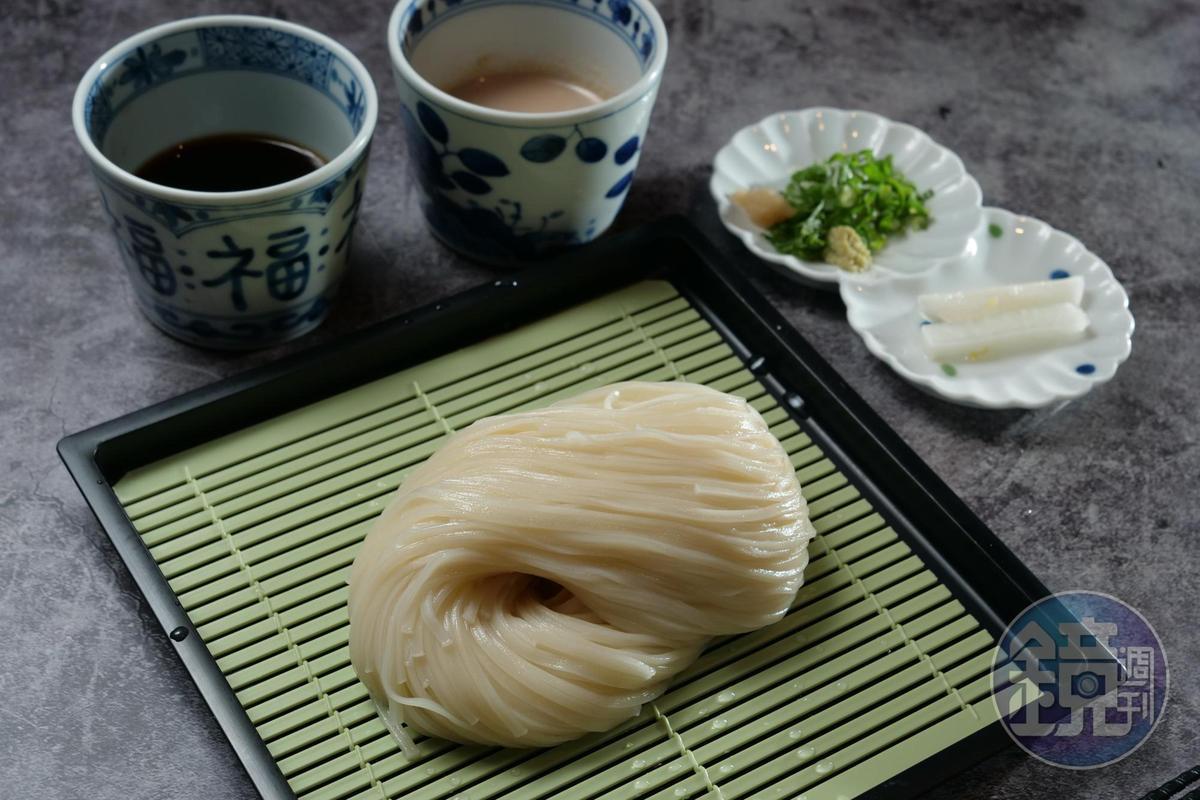 「二味冷麵」可一次嘗到清爽與濃郁醬汁。(230元 /份)
