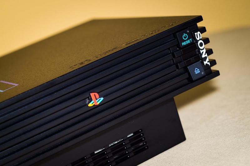 縱橫18年的PS2終於要開始走入歷史了。