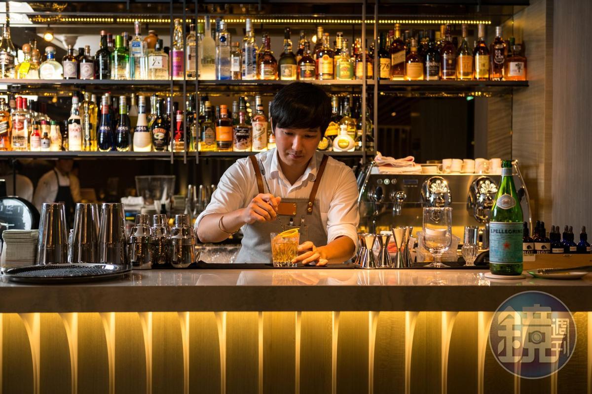 西餐料理常見紅白酒搭餐,而IMPROMPTU 還能做到調酒搭餐,餐酒搭配難度頗高,但讓客人的用餐選擇更豐富。
