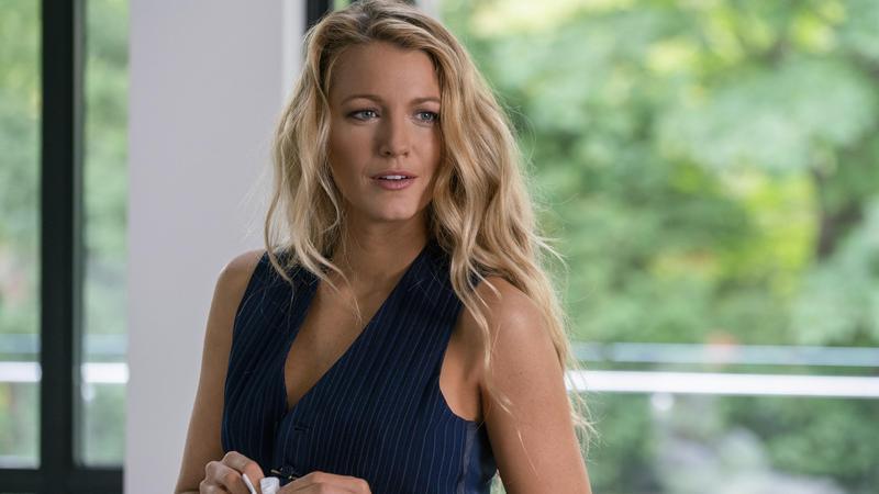 好萊塢女星布蕾克萊芙莉與《歌喉讚》安娜坎卓克合作電影《失蹤網紅》,兩人片中飾演假面閨密。(CatchPlay提供)